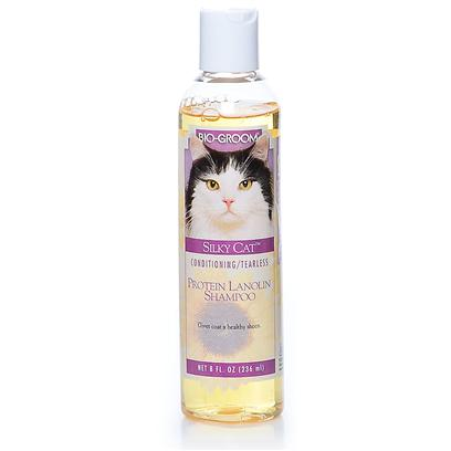 Bio Groom Presents Silky Shampoo for Cats 8oz Bio Cat. Bio Groom Silky Cat Tearless Protein & Lanolin Shampoo 8 Oz #20008 Bio Groom Silky Cat Shampoo is a Tearless, Baby Mild Coconut Oil Based Shampoo Cleans without Stripping Natural Oils. Rinses out Completely Leaving no Irritation Residue. Makes the Coat Shine and Colors Brilliant. Safe for all Ages. [17846]