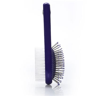 Four Paws Presents Cat &amp; Comb Brush Cat/Combo. Four Paws Cat Combo Brush with Reinforced Wire and Nylon Bristles Create a Long Lasting Brush that's also Gentle on your Cat with Special Added Plastic Tips to Avoid Scratching his Skin. [17874]