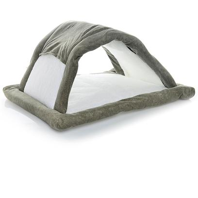 Petmate Presents Fashion Attract-O-Mat Tunnel. The Petmate Attract-O-Mat can Help Cure your Excess Cat Hair Problems. No One Likes Excess Cat Hair all over their Furniture, Bed, and Clothes. If your Cat Sheds Constantly, this is a Problem you Deal with Daily. People who are Sensitive to Cat Hair may F [26020]