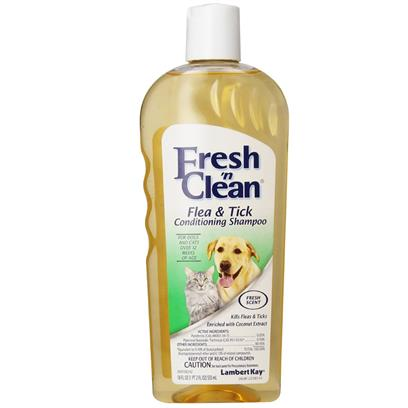 Lambert Kay Fresh 'N Clean Flea & Tick Conditioning Shampoo for Dogs & Cats Scented (18 oz)